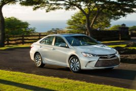 2017-toyota-camry-xle-8