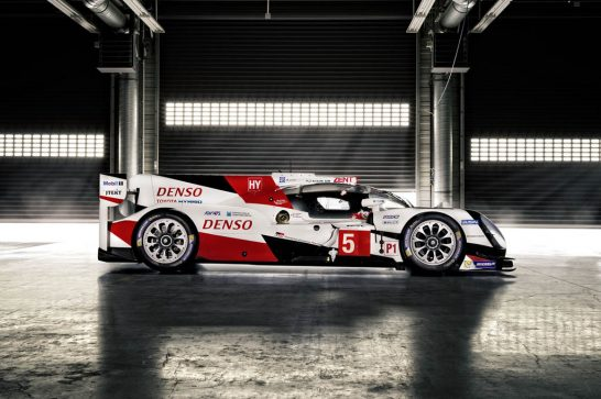 Toyota-TS050-Hybrid-LMP1-side-shot