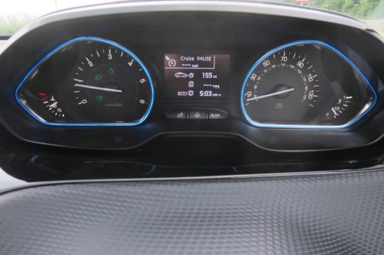 2016-Peugeot-2008-Auto-start-stop-ECO-counter
