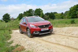 2016-Peugeot-2008-front-three-quarter-in-motion-02