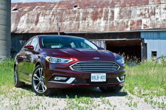 2017-ford-fusion-review-05