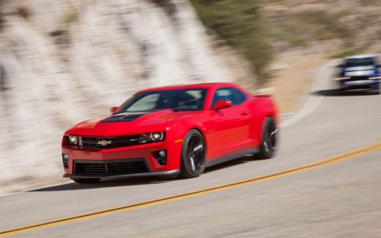 2012-Chevrolet-Camaro-ZL1-front-three-quarter-turn-2