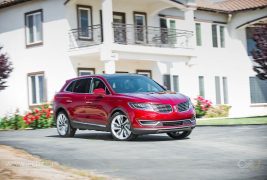 2016-Lincoln-MKX-AWD-27-EcoBoost-front-three-quarter-in-motion-03