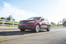 2016-Lincoln-MKX-AWD-27-EcoBoost-front-three-quarter-in-motion-06