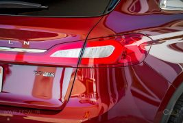2016-Lincoln-MKX-AWD-27-EcoBoost-rear-taillight