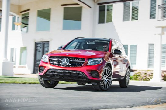 2016-Mercedes-Benz-GLC300-4Matic-front-end-in-motion-turn