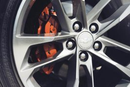 2017-Chevrolet-Camaro-50th-Anniversary-brake-calipers