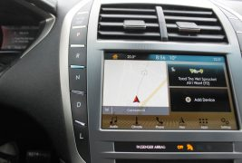 2017-Lincoln-MKZ-Review-Interior-12