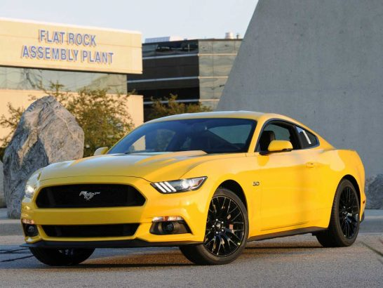 Ford-Mustang-2015-GT-02