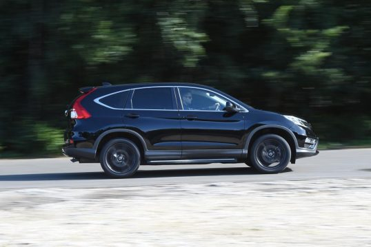 honda-cr-v-black-edition-2016-03