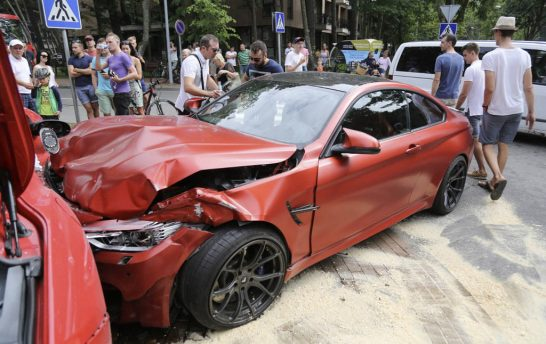 m4-ferrari-crash1