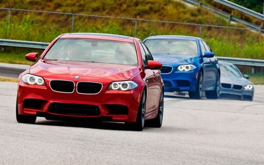 2013-bmw-m5s-on-handling-course