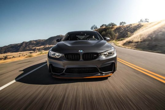 2016-BMW-M4-GTS-front-end-in-motion-03