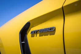 2016-Ford-Mustang-Shelby-GT350R-badge