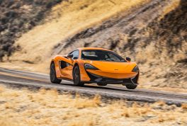 2016-McLaren-570S-front-three-quarters-in-motion-03