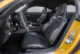 2016-Mercedes-AMG-GT-S-front-interior-seats