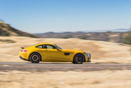 2016-Mercedes-AMG-GT-S-rear-side-in-motion