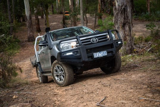 2016-toyota-hilux-sr-4x4-cab-chassis-modified-18