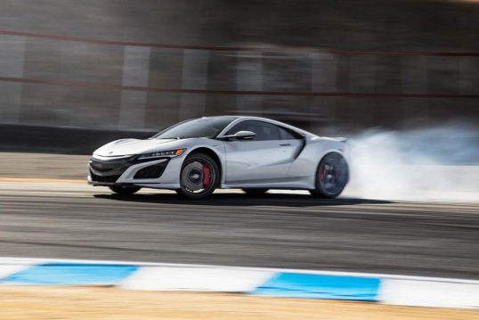 2017-acura-nsx-rear-three-quarter-drift