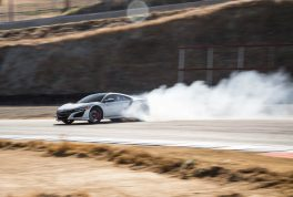 2017-acura-nsx-side-drift