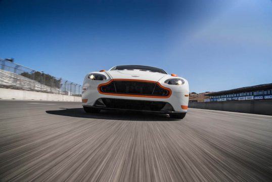 2017-aston-martin-v12-vantage-s-front-end-in-motion