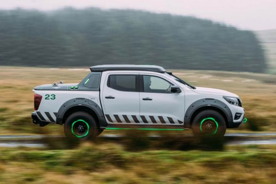 Nissan-Navara-EnGuard-Concept-side-in-motion-1