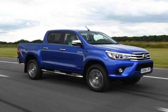 toyota-hilux-pick-up-2016-03