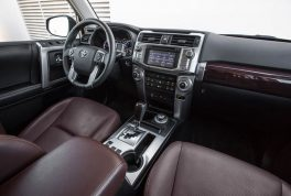 2015-toyota-4runner-limited-cabin-02