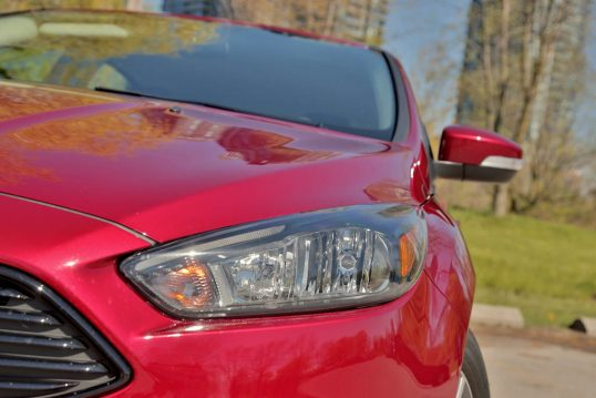 2016-ford-focus-ecoboost-review-13