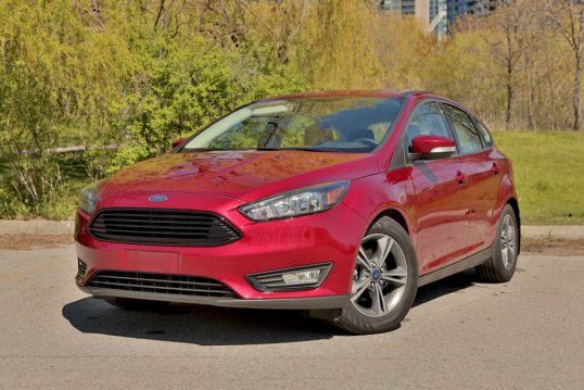 2016-ford-focus-ecoboost-review-3