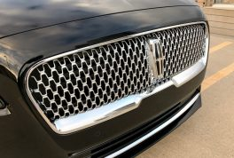 2017-lincoln-continental-reserve-awd-grille