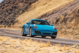 2017-porsche-911-carrera-s-front-end-in-motion-02