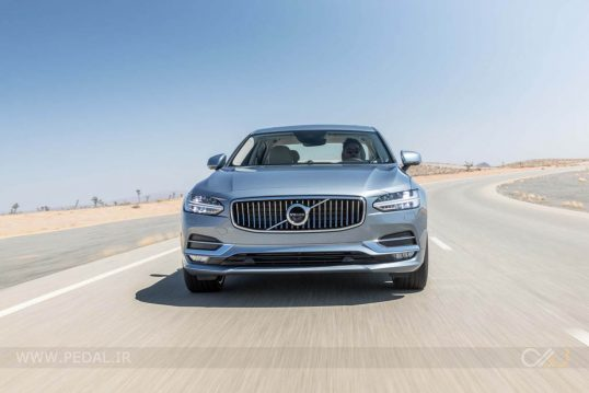 2017-volvo-s90-t6-awd-inscription-front-end-in-motion