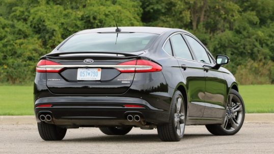 2017-ford-fusion-sport-review4