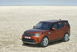 2018-land-rover-discovery-08