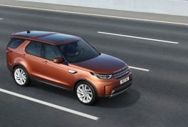 2018-land-rover-discovery-17