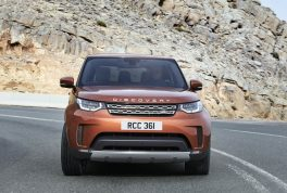 2018-land-rover-discovery-20