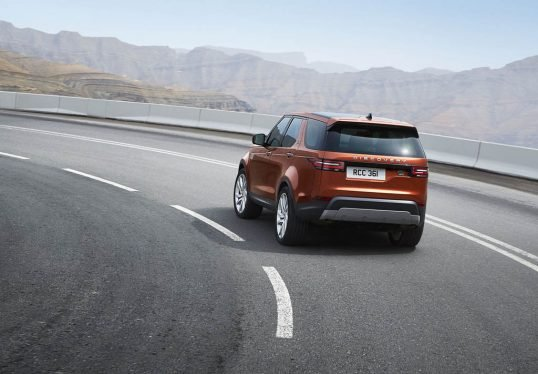2018-land-rover-discovery-24