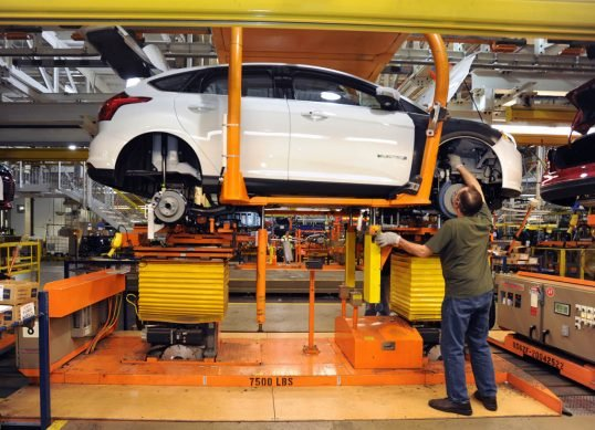 ford-assembly-line-1