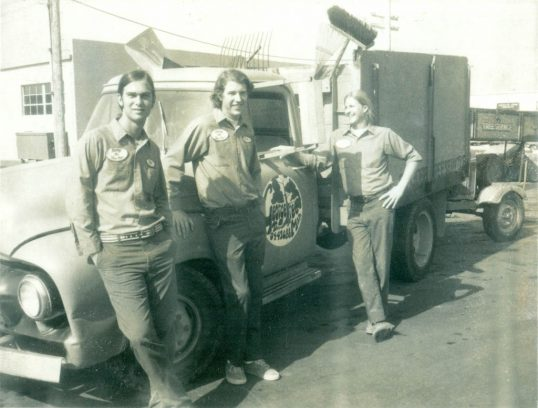 pat-and-patrick-and-george-the-tree-man-truck