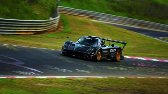 pagani-zonda-r-sets-new-circuit-record-at-nurburgring-nordschleife-2