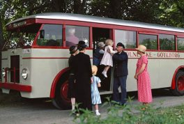 1932-first-forward-control-bulldog-bus