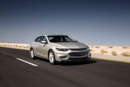 2016-chevrolet-malibu-1lt-front-three-quarter-in-motion-03