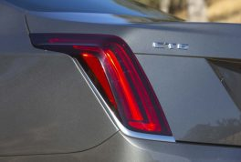 2017-cadillac-ct6-20t-taillight