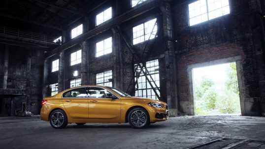 2017-bmw-1-series-sedan-china-4