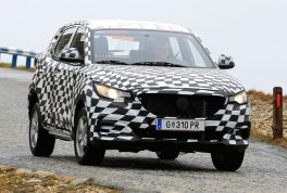 mg-zs-spied-01