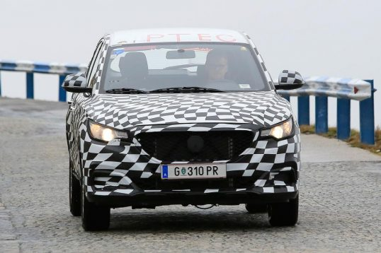 mg-zs-spied-02