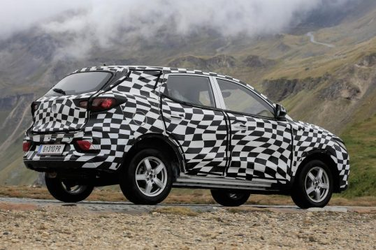 mg-zs-spied-04