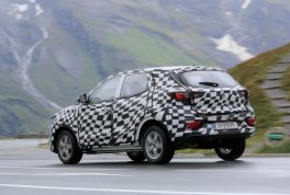 mg-zs-spied-05