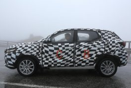 mg-zs-spied-07